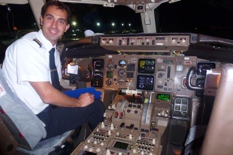 Cabina di pilotaggio del boeing 767 300er luci e ombre for Cabina di 300 piedi quadrati