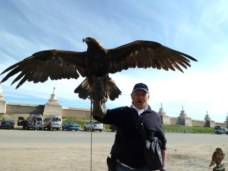 P1050182  io con aquila Mongolia